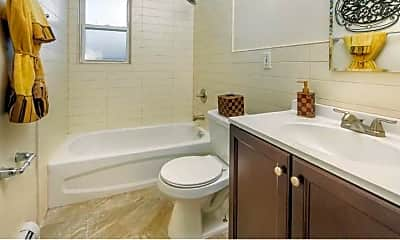 Bathroom, Royal Gardens Apartments, 1