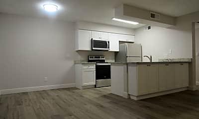 Kitchen, 5327 Summerlin Rd, 1