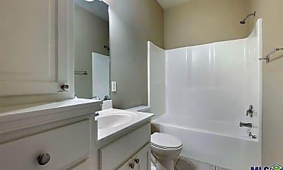 Bathroom, 3243 Southlake Ave, 2