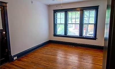 Living Room, 2856 Shenandoah Ave 1E, 1