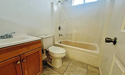 Bathroom, 1828 Rio Vista St, 2