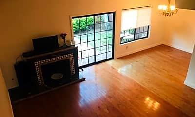 Living Room, 1547b Apache Dr, 1