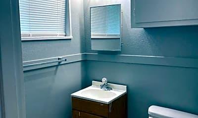 Bathroom, 2871 Lakewood Dr, 2