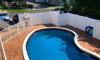 Pool, 520 NE 20th St, 2