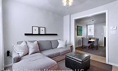 Living Room, 586 Company St, 1