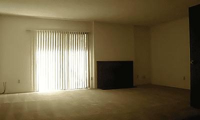 Living Room, 1000 Fulton Ave, 1