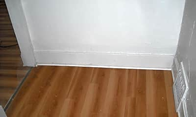 Bedroom, 1016 Grignon St, 1