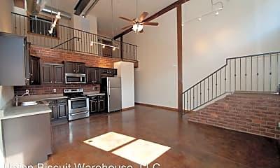 Living Room, 211 S Market Ave, 0