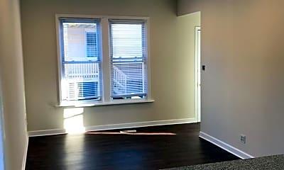 Living Room, 5302 W Argyle St, 1