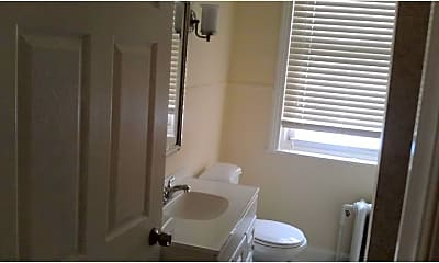 Bathroom, 1918 Spring Garden St 3R, 2