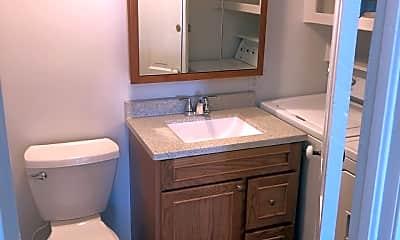 Bathroom, 824 5th Ave S, 1