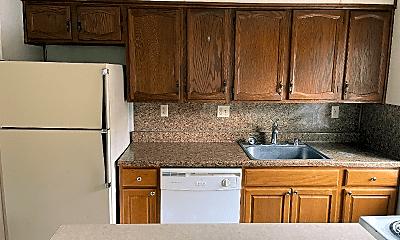 Kitchen, 1014 S Pugh St, 1
