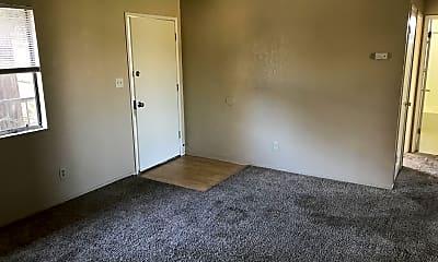 Living Room, 1046 W Morton Ave, 0