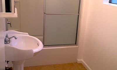 Bathroom, 933 6th St, 2