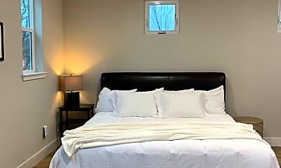 Bedroom, 1903 Magnolia Ave, 1
