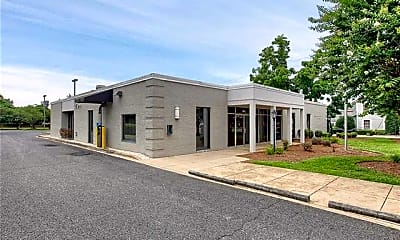 Building, 501 N Main St, 0