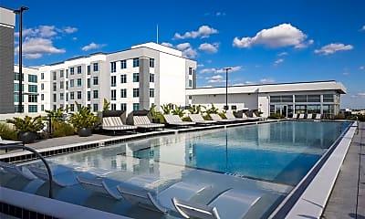 Pool, 462 N Terry Ave, 2