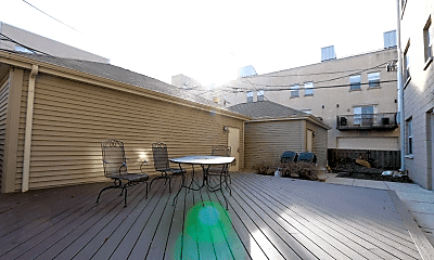 Patio / Deck, 1039 S Lytle St, 2