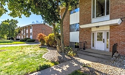 Building, 1005 Parkway Dr # 6, 1