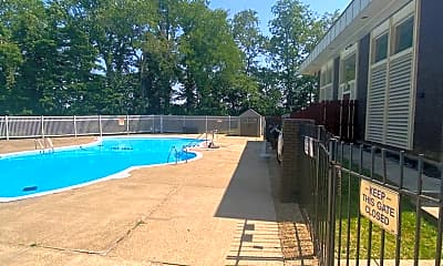 Pool, 502 College Park Dr, 2