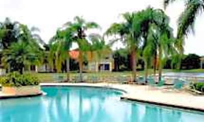 Palm Lake Apartments, 2