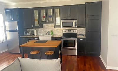 Kitchen, 611 Front St B, 1