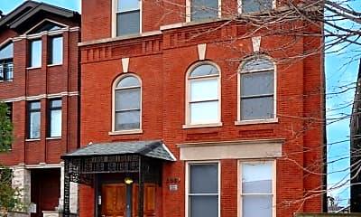 Building, 2039 W Erie St, 1