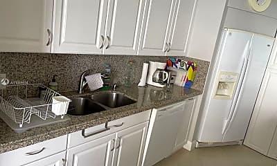 Kitchen, 1500 N Ocean Blvd 605, 2