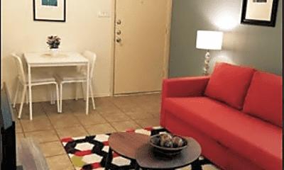 Living Room, 516 E 40th St, 1