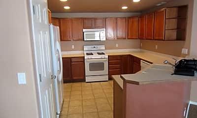 Kitchen, 1335 NE 5th St, 1