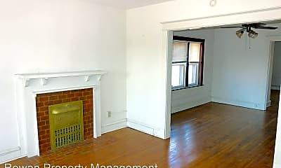 Living Room, 3925 Roanoke Rd, 1