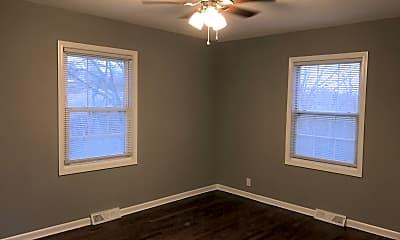Living Room, 5705 N Lenox Ave, 2