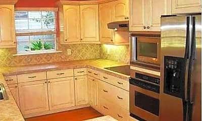 Kitchen, 513 N Hyer Ave, 1
