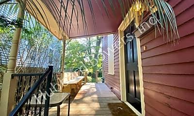 Patio / Deck, 824 Woodrow St, 1