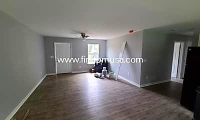 Living Room, 4612 Colonial Dr, 2