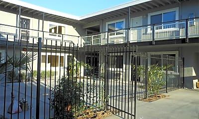 Building, 1120 Yulupa Ave, 2