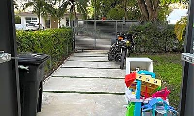 Patio / Deck, 550 W 50th St, 2