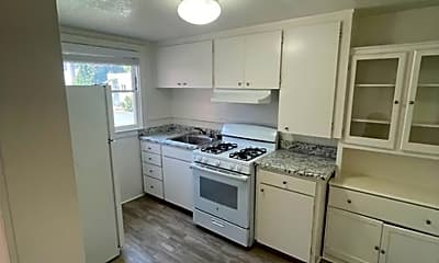 Kitchen, 857 Partridge Ave, 1