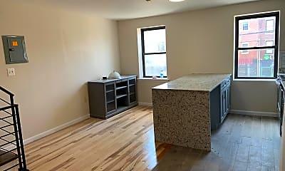 Living Room, 643 Washington Ave 2, 2