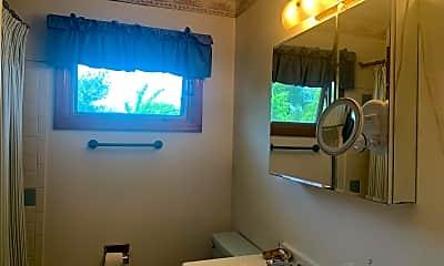 Bathroom, 10 Doxsey Pl, 2