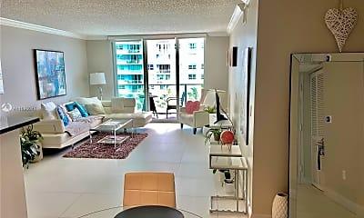 Living Room, 1155 Brickell Bay Dr 1008, 1