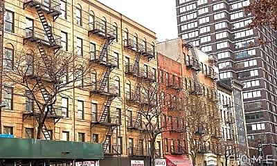 Building, 326 E 34th St, 2