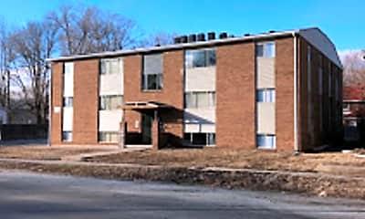 Building, 940 W Wood St, 2