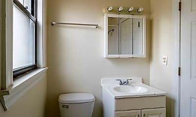 Bathroom, 1202 W Wellington Ave, 2