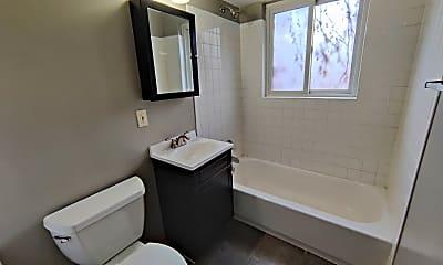Bathroom, 733 Miller Ct, 2