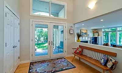 Living Room, 4423 N Shore Dr, 1