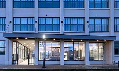 Building, 33 Ashland Ave 424, 1