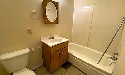Bathroom, 1217 Chestnut St, 2
