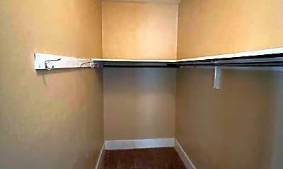 Bedroom, 412 W Pine Ave, 2