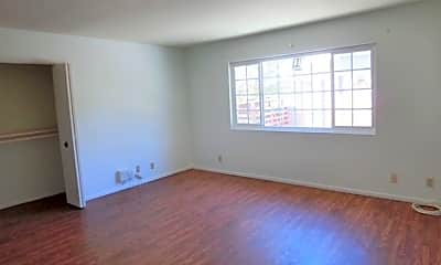 Living Room, 1401 S Reynolds Way, 1